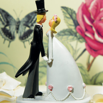 Wedding Couple Hand in Hand Figurine