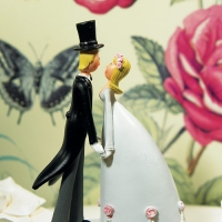 Wedding Couple Hand in Hand Figurine